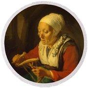 Old Woman Unreeling Threads 1665 Round Beach Towel