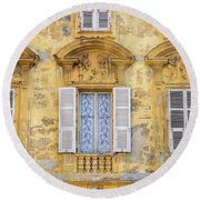 Old Yellow Building With Lace Curtain In Nice, France Round Beach Towel