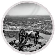On Guard At Point Park Lookout Mountain In Tennessee Round Beach Towel
