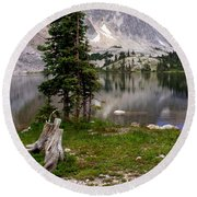 On The Snowy Mountain Loop Round Beach Towel