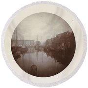 Oostersingel With Aangemeerde Ships In Leeuwarden, Anonymous, 1897 Round Beach Towel