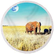 Out In The Serengeti Round Beach Towel