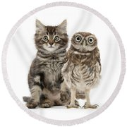 Owling And Yowling Round Beach Towel