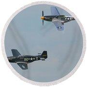 P-51 Mustangs Round Beach Towel