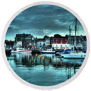 Padstow Harbour At Dusk Round Beach Towel