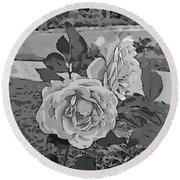 Pair Of Roses In Grayscale Round Beach Towel