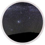 Panoramic View Of The Milky Way Round Beach Towel