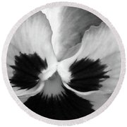 Pansy 10 Bw - Thoughts Of You Round Beach Towel