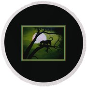 Panther Silhouette - Use Red-cyan 3d Glasses Round Beach Towel