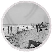 Paradise Beach In Black And White Round Beach Towel
