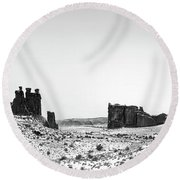 Park Avenue At First Light - Arches National Park Round Beach Towel