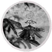 Passion Flower Black And White Round Beach Towel