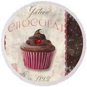 Patisserie Chocolate Cupcake Round Beach Towel