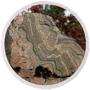 Pattern In A Gneiss Rock Round Beach Towel