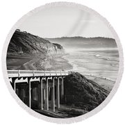 Pch Scenic In Black And White Round Beach Towel