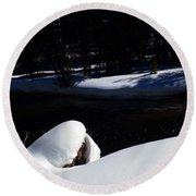 Peaceful Winter Scene Round Beach Towel