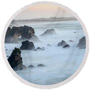 Peach Sky At Arched Rock Round Beach Towel