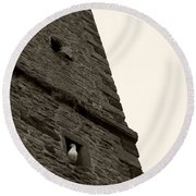 Peek-a-boo Pigeon Round Beach Towel