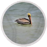 Pelican Swimming  Round Beach Towel