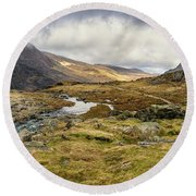 Pen Yr Ole Wen And Tryfan Mountain Round Beach Towel