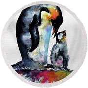 Penguin With Baby Round Beach Towel