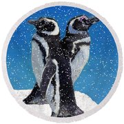 Penguins In The Snow Round Beach Towel