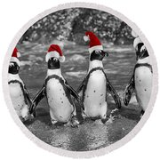 Penguins With Santa Claus Caps Round Beach Towel