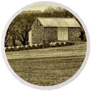 Pennsylvania Barn Round Beach Towel