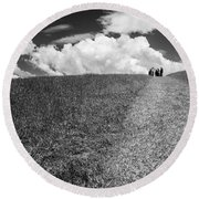 People On The Hill Bw Round Beach Towel