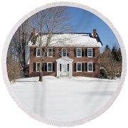 Period Vintage New England Brick House In Winter Round Beach Towel