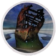 Peter Iredale Shipwreck Under Starry Night Sky Round Beach Towel