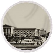 Philadelphia Museum Of Art And The Fairmount Waterworks From West River Drive In Black And White Round Beach Towel