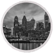 Philadelphia Skyline Bw Round Beach Towel