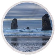 Photographer At Cannon Beach Round Beach Towel