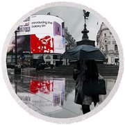 Piccadilly In The Rain Round Beach Towel