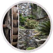 Pictueresque Waterwheel In Cinqueterre Garden Round Beach Towel