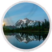Picture Lake At Night Round Beach Towel