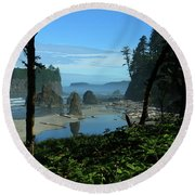 Picturesque Ruby Beach View Round Beach Towel
