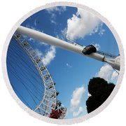 Pillar Of London S Ferris Wheel  Round Beach Towel