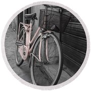 Pink Bicycle In Rome Round Beach Towel