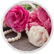 Pink Eustoma Flowers  Round Beach Towel