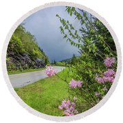 Pink On The Parkway Round Beach Towel