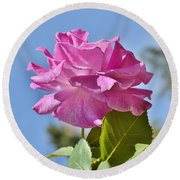 Pink Rose Against Blue Sky I Round Beach Towel