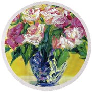 Pink Roses In Blue Deft Vase Round Beach Towel