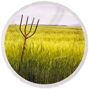 Pitch Fork In Wheat Field Round Beach Towel