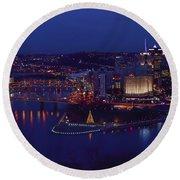 Pittsburgh Skyline At Night Christmas Time Round Beach Towel