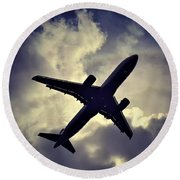 Plane Landing In London Round Beach Towel