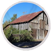 Pleasant Valley Barn 6 Round Beach Towel