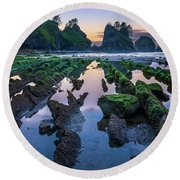 Point Of The Arches Round Beach Towel