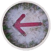 Pointing The Way Round Beach Towel